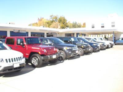 SJ Denham Chrysler Jeep Fiat Image 9