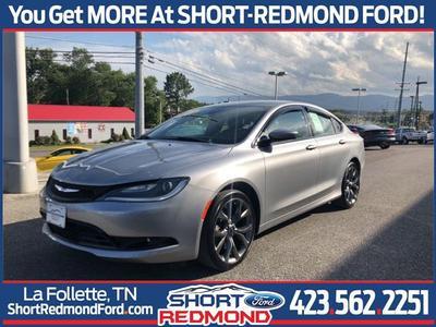 Chrysler 200 2015 for Sale in La Follette, TN