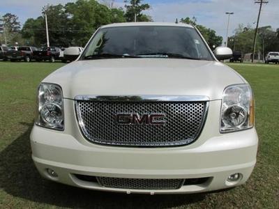 GMC Yukon 2011 for Sale in Labelle, FL