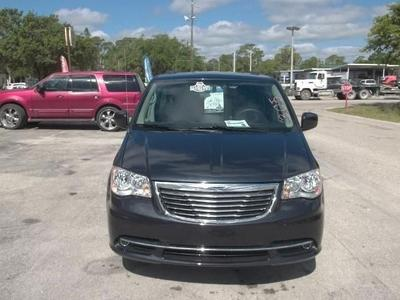 Chrysler Town & Country 2013 for Sale in Labelle, FL