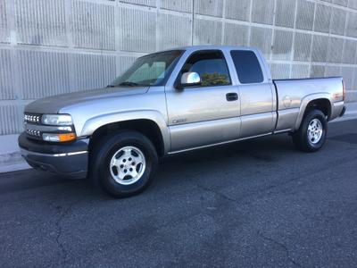 Chevrolet Silverado 1500 2001 for Sale in Pacoima, CA