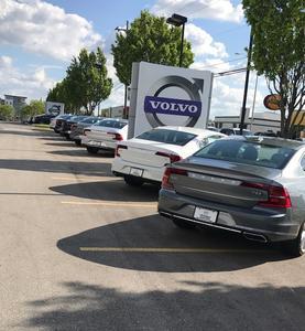 Premier Volvo Cars Overland Park Image 2