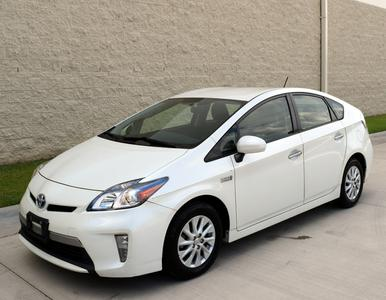 Toyota Prius Plug-in 2012 for Sale in Raleigh, NC