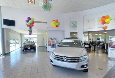 Byers Volkswagen by the Airport Image 1