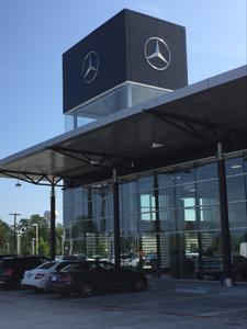 Mercedes-Benz of The Woodlands Image 9
