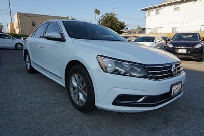 Volkswagen Passat 2017 for Sale in Los Angeles, CA