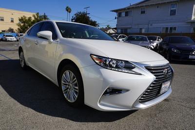Lexus ES 350 2018 for Sale in Los Angeles, CA