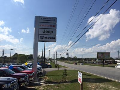 Woody Folsom Chrysler Dodge Jeep Ram of Vidalia Image 5