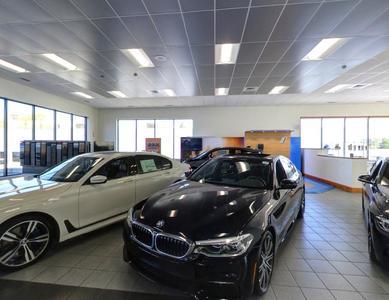 BMW of Newport Image 4