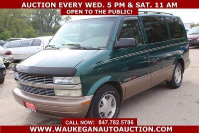 Chevrolet Astro 2002 for Sale in Waukegan, IL