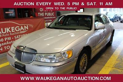 Lincoln Town Car 2001 for Sale in Waukegan, IL