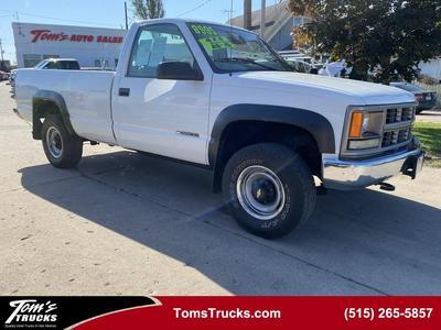 Chevrolet Silverado 3500 2000 for Sale in Des Moines, IA