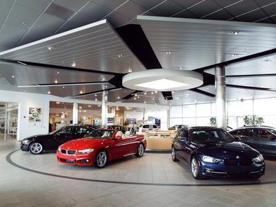 BMW of Milwaukee North Image 9