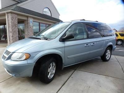 2005 Dodge Caravan SXT for sale VIN: 2D4GP44L15R488347
