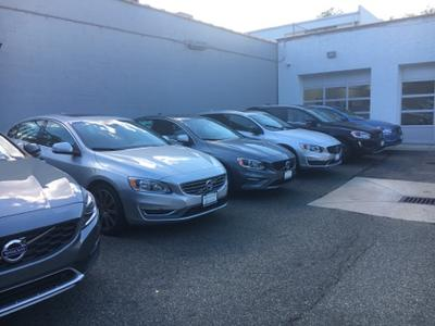 Volvo Cars of Queens Image 7