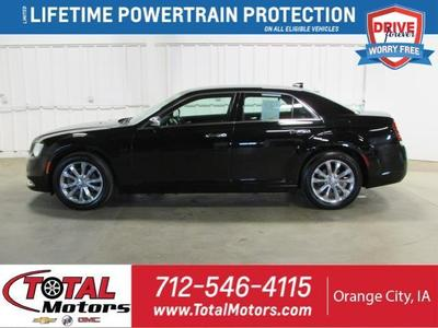 Chrysler 300 2019 for Sale in Le Mars, IA
