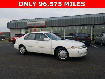 Nissan Altima 2001 for Sale in Clarksville, IN