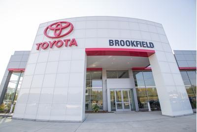 Toyota of Brookfield Image 4