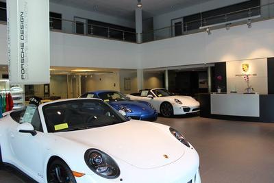 Porsche of Burlington Image 3