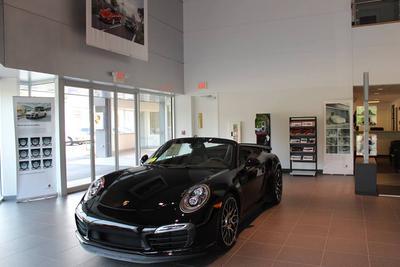 Porsche of Burlington Image 4