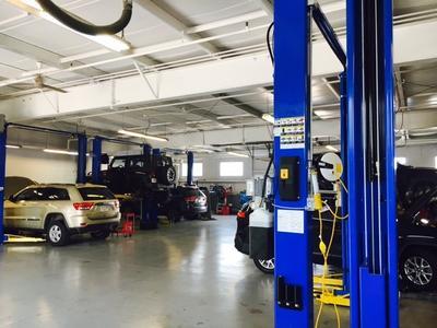 Station Chrysler Jeep Image 3
