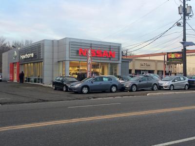 Nissan of Hawthorne Image 6