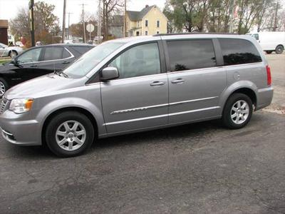 Chrysler Town & Country 2013 for Sale in Toulon, IL