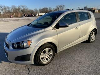 Chevrolet Sonic 2015 for Sale in Indianapolis, IN