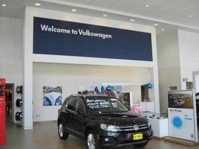 Luther Burnsville Volkswagen Image 1