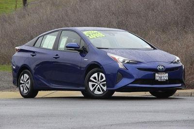 2017 Toyota Prius Three for sale VIN: JTDKARFU6H3531315