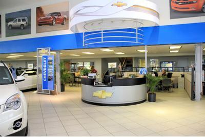 Van Chevrolet Cadillac Image 5