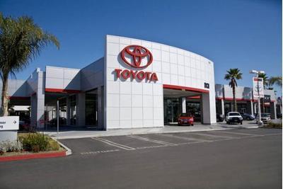 DCH Toyota of Oxnard Image 5