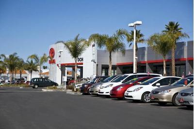 DCH Toyota of Oxnard Image 7
