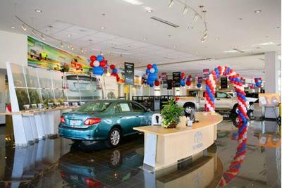 DCH Toyota of Oxnard Image 9