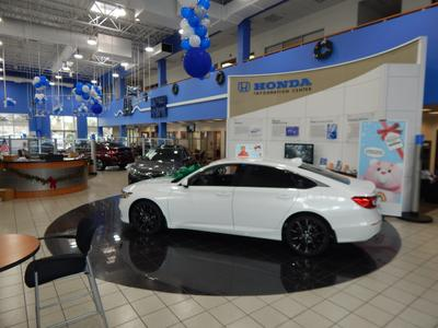 Honda of the Avenues Image 4