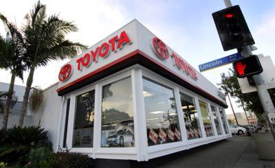 Toyota Santa Monica Image 2