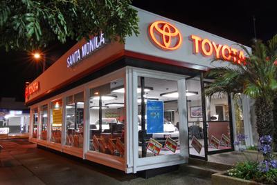 Toyota Santa Monica Image 7