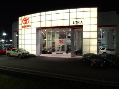 Lithia Toyota of Springfield Image 9