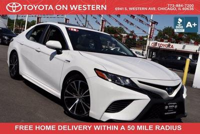 Toyota Camry Hybrid 2018 for Sale in Chicago, IL