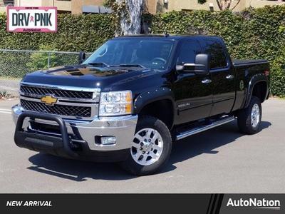 Chevrolet Silverado 2500 2014 for Sale in Costa Mesa, CA