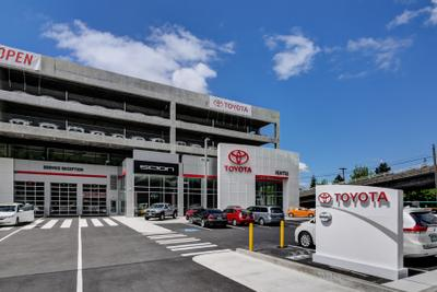 Toyota of Seattle Image 9