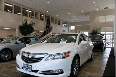 Acura of Bellevue Image 1