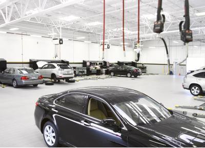 Valley Lexus Image 3