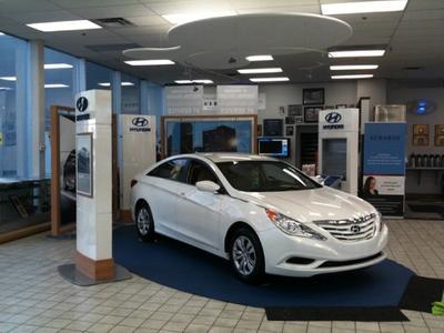 Glenbrook Hyundai - Happy Car Store Image 6