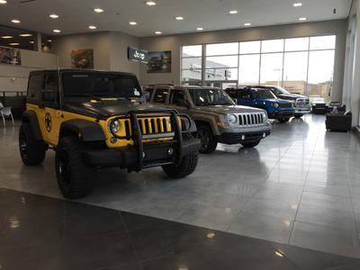 Suburban Chrysler Dodge Jeep RAM of Farmington Hills Image 5