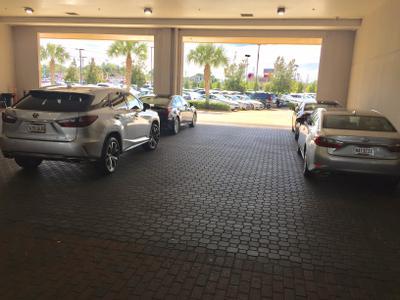 Lexus of New Orleans Image 3