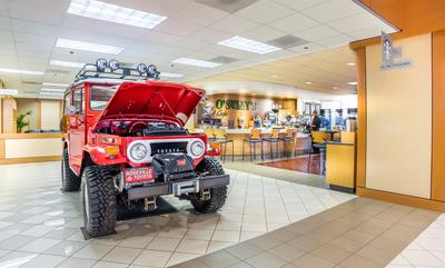 Roseville Toyota Image 8
