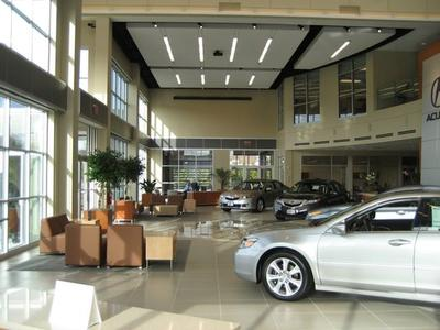 Acura of Peabody Image 5