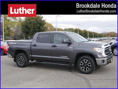 Toyota Tundra 2015 for Sale in Minneapolis, MN