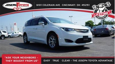 Chrysler Pacifica 2018 for Sale in Cincinnati, OH